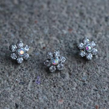 Nakrętka do microdermala kwiatek BEZBARWNY