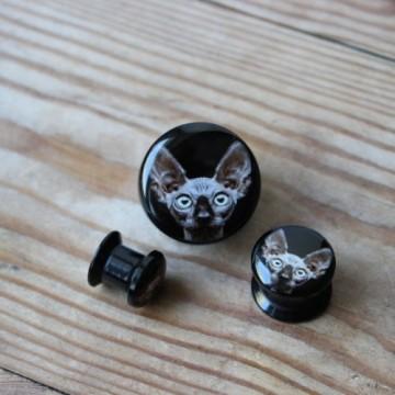Plug akrylowy - Sfinks na czarnym tle