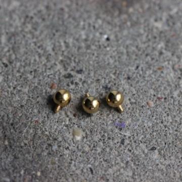 Anodyzowana nakrętka do microdermala - złota kulka