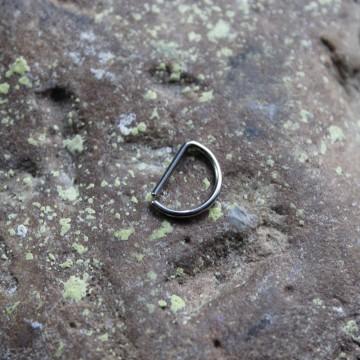 Kolczyk do nosa D - ring