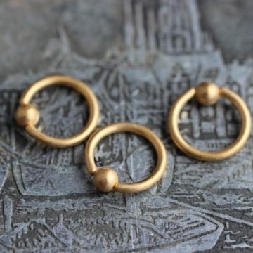 Kółko zamknięte ze stali matowe złoto